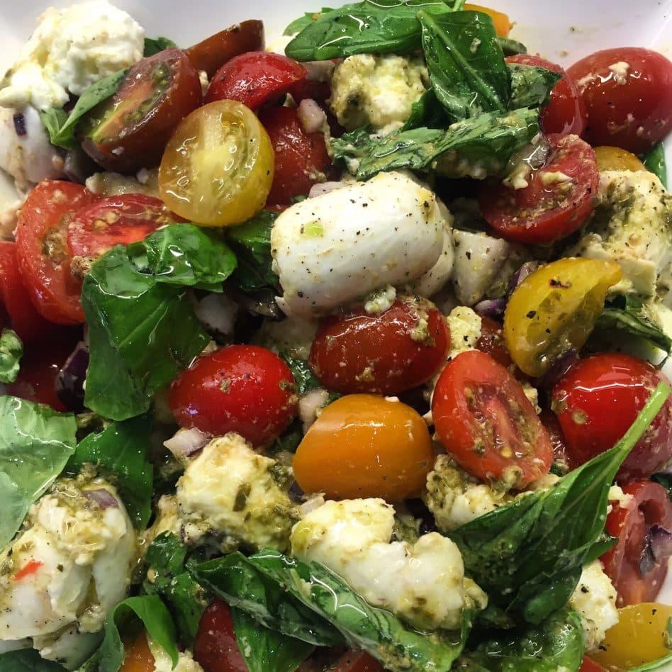 Easy Tomato & Mozzarella Salad