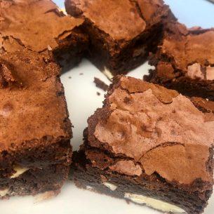 Gooey Chocolate Brownies – Bundle's