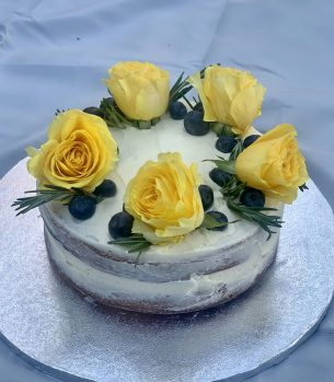 Easy Naked Cake  – perfect for birthdays